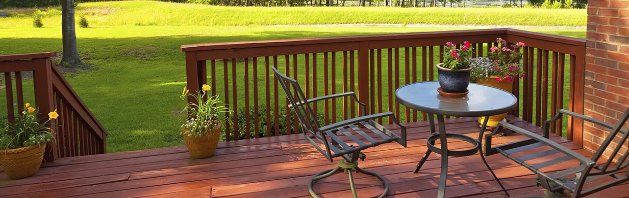 Do you want to put a fire pit on your wooden deck? Here are some tips to help.